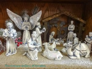13 piece Nativity figurines with creche
