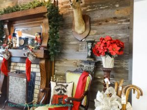 Christmas mantel decor, nutcrackers,