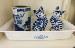 Pair of blue and white cats, Booth A10
