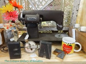 Vintage sewing machine, Booth W3b