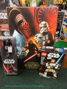 Variety of Star Wars figures and toys, Booth X 4b
